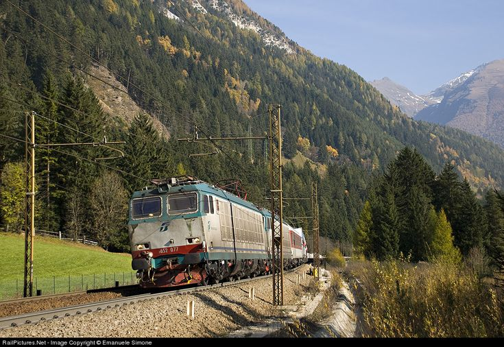 RailPictures.Net Photo: 077 Trenitalia Cargo E652 at Colle Isarco (BZ), Italy by Emanuele Simone