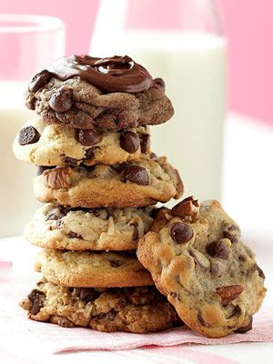 Six all-star chocolate chip cookies!