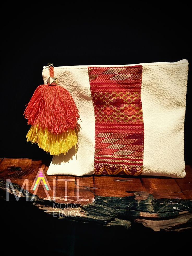 #clutch #boho #textile #waistloom available at instagram @maitl_moda_etnica Facebook Maitl Moda Etnica