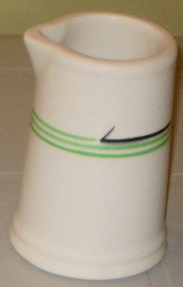 """3 3/4"""" H Restaurant Ware CREAMER or SYRUP Vintage GRINDLEY HERCULES Vitrified"""