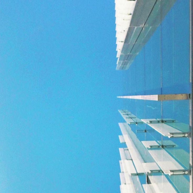 Glass flakes #architecture #rsa_minimal #minimal #minimalmood #sky #igersmilano #igerslombardia #igersitalia