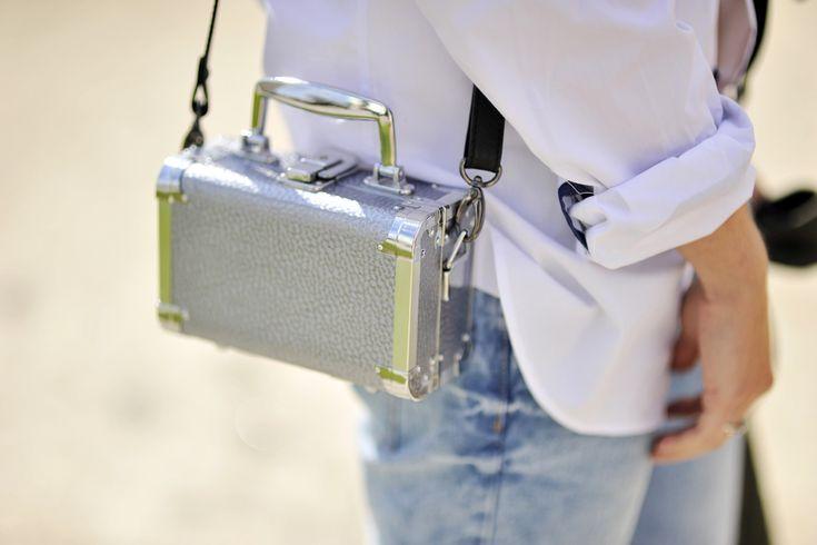 box-bag-street-fashion #boxbag #silverbag