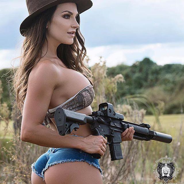 Pin On Guns Weapons Girls-3595