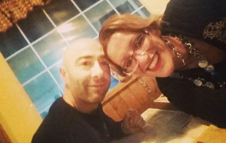 Tagged! Happy B.day Amore mio! #41anni e sembrare un  #ragazzino !!!! con #stasera Inzia la nostra #honeymoon !  .Almeno la #primatappa ......oggi #festeggiamo tuo #compleanno ... #innamorati #ioete #ibombardinidellamore #coppiaperfetta #ilnostroanno #