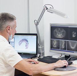 Одна из основных услуг стоматологической клиники Ортодонт: Ортодонтия - исправление прикуса