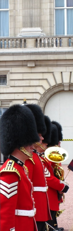 Londyn - królewska orkiestra przed Pałacem Buckingham / Royal Band at Buckingham Palace, London