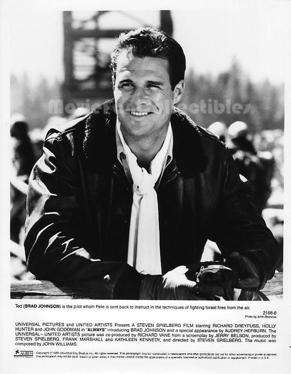 """Movie Still / Publicity Photo / Press Kit Promo Title: Always Star(s): Brad Johnson Genuine Black and White glossy photograph Approximate size: 8"""" x 10"""" (205mm x 255mm) Condition: Excellent. Standard"""