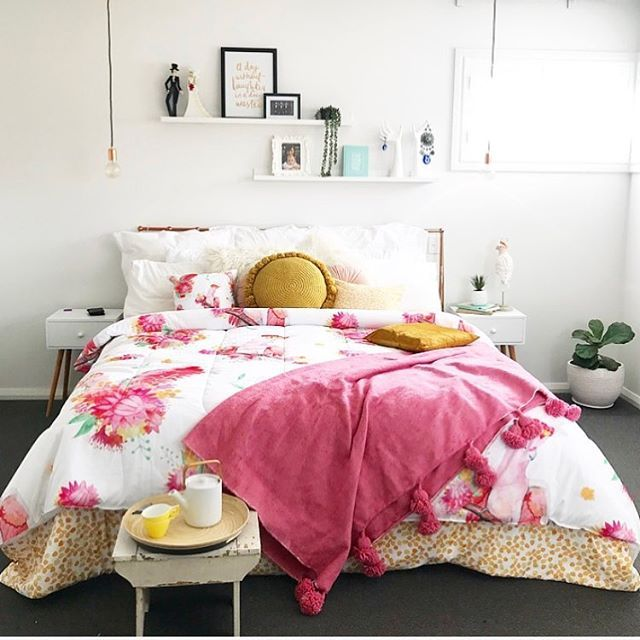 pink bedroom, cockatoo, australiana theme, australian bedding aussie room, australian style