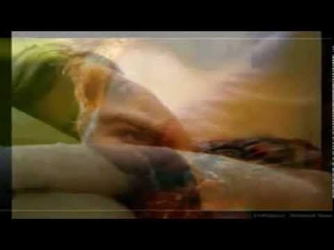 KEDVESEMNEK:ELMONDJA FEHÉR HOLLO9