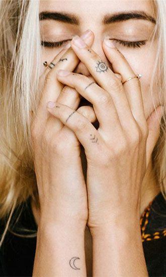 Sierlijke en vrouwelijke tatoeages