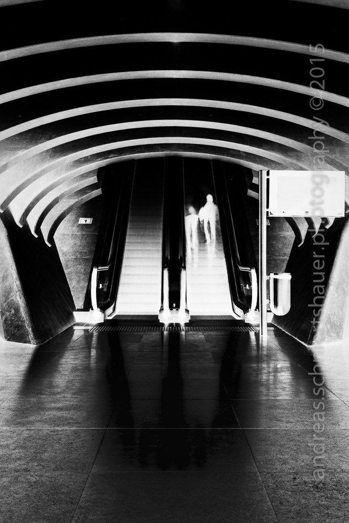 https://flic.kr/p/AhyhNU   Level 1   Photograph © Andreas Schniertshauer, Level 1; From the series: noir, BEL 2015.