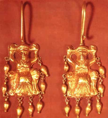 SCYTHIAN GOLD EARRINGS