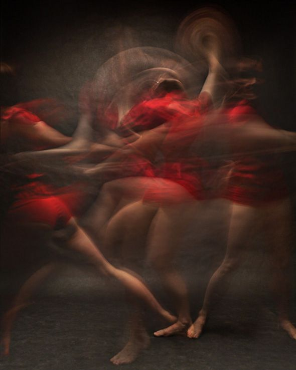 Graceful Dancers: Movements Through Time. A series of beautiful multiple-exposure images of dancers.