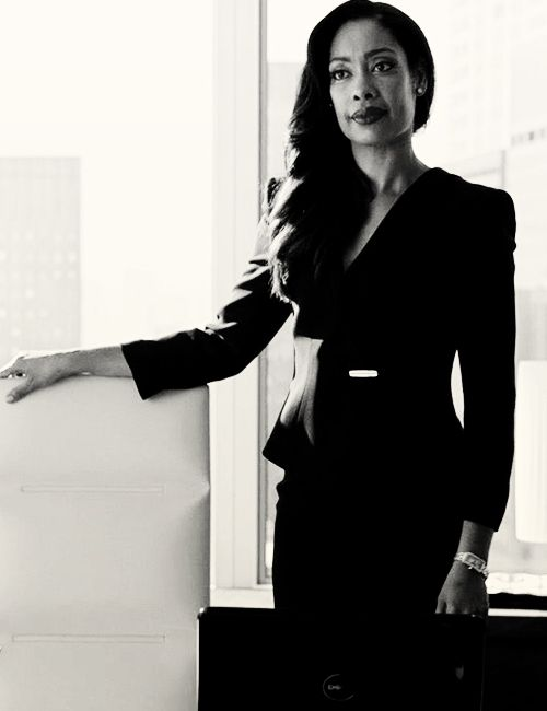 Jessica Pearson (Suits) - nailing the Power Suit