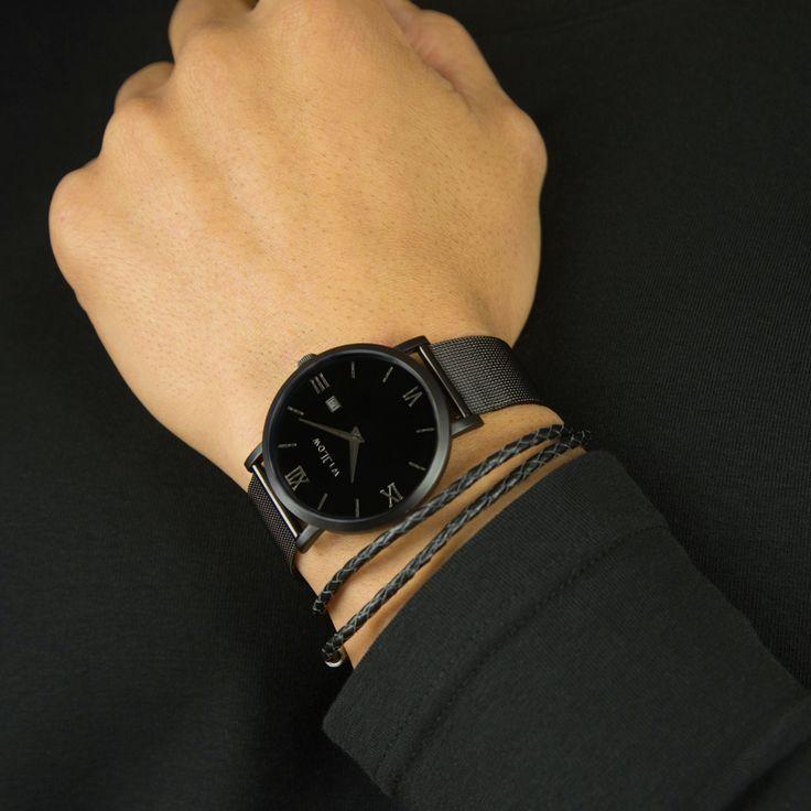 Black everything feat our Verona Black Mesh & Pelle Bracelet.