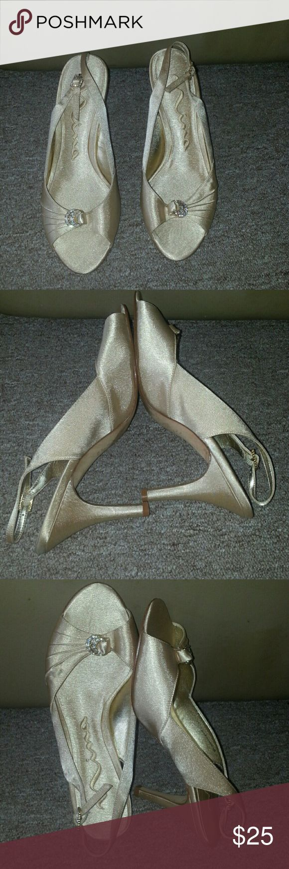 Gold Nina shoes size 7.5 excellent condition Gold size 7.5 Nina shoes great for weddings excellent condition Nina Shoes Shoes Sandals