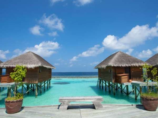 Maldives hotel and resort deals with villas and bungalows ...
