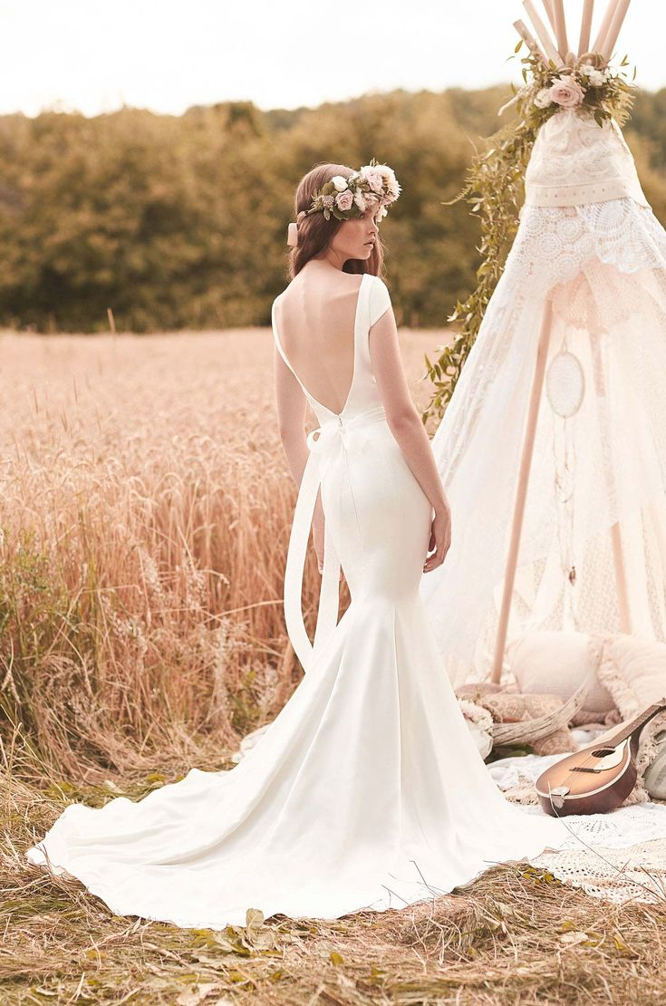 Mikaella wedding gown 2061 from May & Grace, perfect elegance for a countryside wedding
