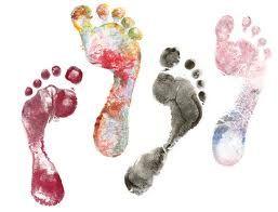 Christel Saint-Martin est pédicure médicale depuis 10 ans. La profession de pédicure médicale, ne se limite pas à donner des soins superficiels et esthétiques, elle est la pratique de soins approfondis des affections du pied allant du simple cor à l'ongle incarné et aux affections diverses des ongles, elle permet d'apporter un soulagement efficace au patient. Membre du réseau www.wonderwomen.be http://www.wonderwomen.be/christel-saint-martin/