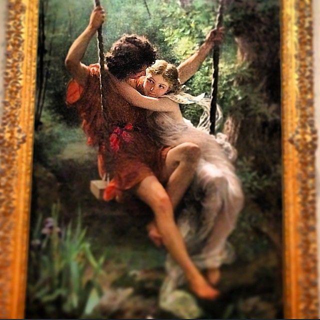 """#AlessiaTedeschi Alessia Tedeschi: """"Nel vero amore, è l'anima che abbraccia il corpo."""" F. Nietzsche. E con questa tenerissima rappresentazione vi auguro un magico #week#end all'insegna del sentimento...che nel vostro sguardo, come in quello del dipinto, sia racchiuso tutto ció di cui l'essere umano necessita per essere felice, il vero amore. La felicità è fatta di attimi, che i vostri attimi siano tanti da creare un lungo spazio temporale... Che i vostri occhi quindi sian"""