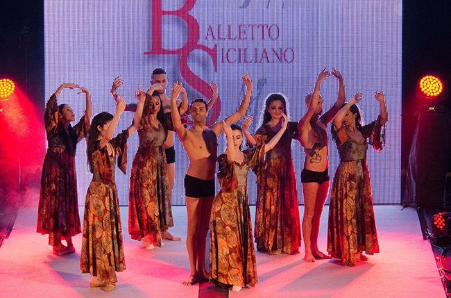 THE LOOK OF THE YEAR - Accademia di Danza BALLETTO di SICILIA