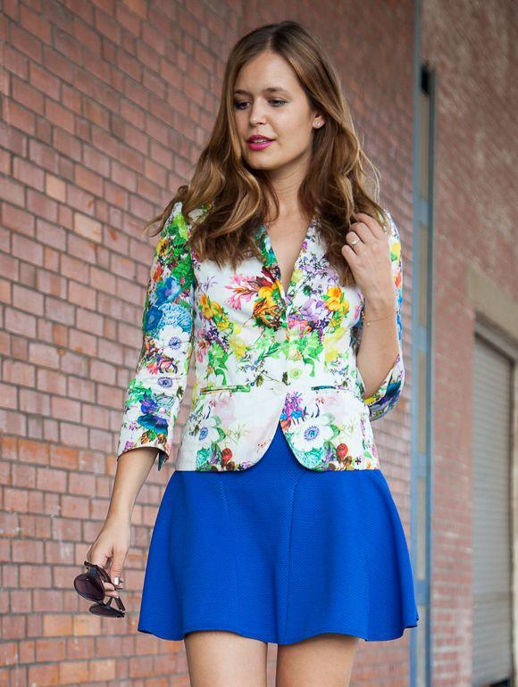 25 Kleidungsstücke – 50 Looks: Outfit 47: Hallhuber Blumenblazer + Asos Rock
