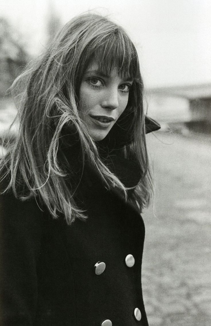 Navy peacoat on Jane Birkin. - I just LOVE this haircut - Fall 2012 for me:)