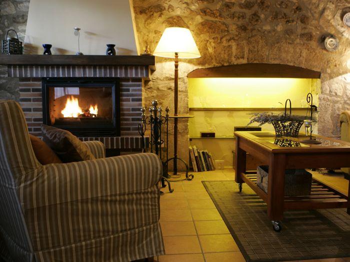 Les 25 meilleures id es concernant barbecue en pierre sur pinterest camping cavalaire bar en - Cheminee de terrasse ...