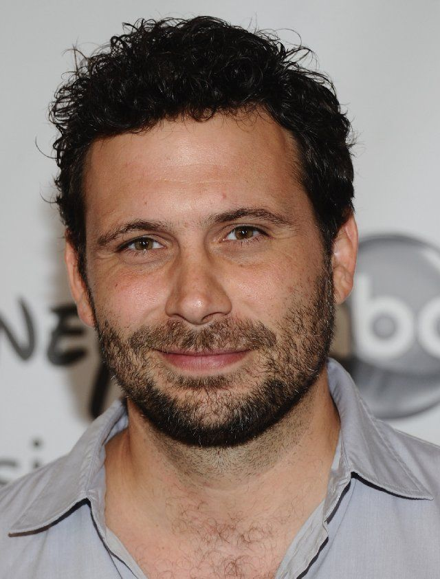 """Jeremy S.. the SEXIEST man alive (to me).. I love his show """"Suburgatory"""".."""