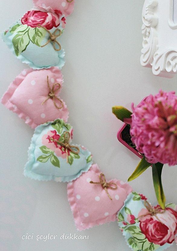 Tanti cuori shabby Chic realizzati con tessuto Provenzale - Il blog italiano sullo Shabby Chic e non solo