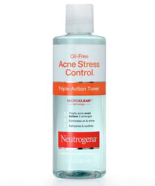 This product has Salicylic Acid (a beta hydroxy) it's at 1%.  I mix this with the olay toner 1/2 n 1/2 as well and put in a spritzer container.  I spritz on my face instead of using a cotton ball.  BTW close your eyes!