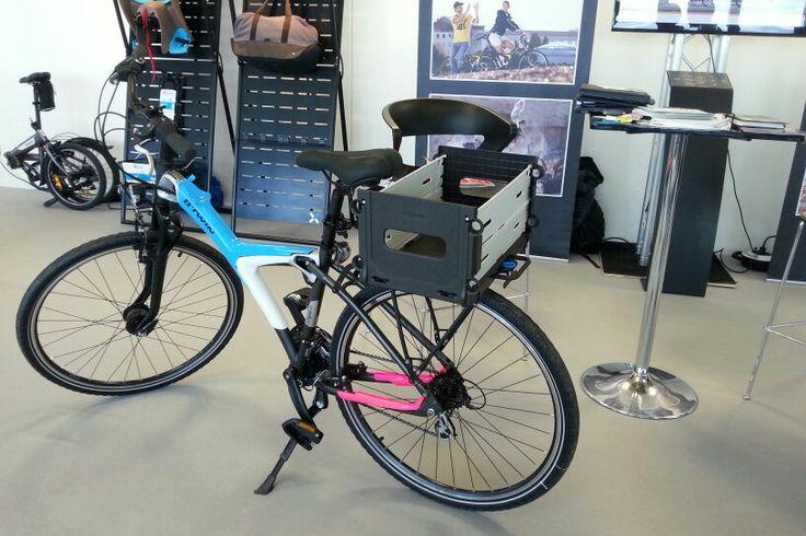 Bicicleta Decathlon con caja de fruta http://eltiodelmazo.com/2014/03/11/nueva-bicicleta-beoriginal-de-decathlon-personalizable-y-con-multitud-de-accesorios/