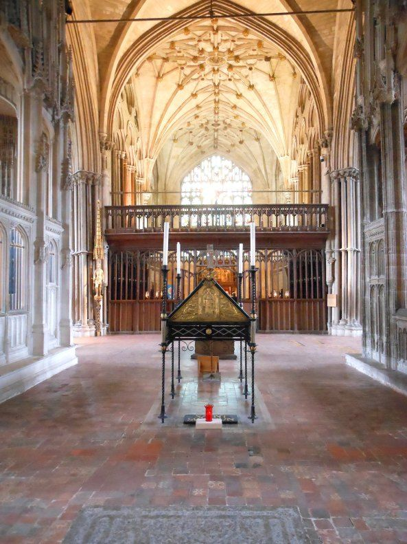211 best images about history winchester hampshire uk on pinterest king arthur round table - Round table winchester cathedral ...