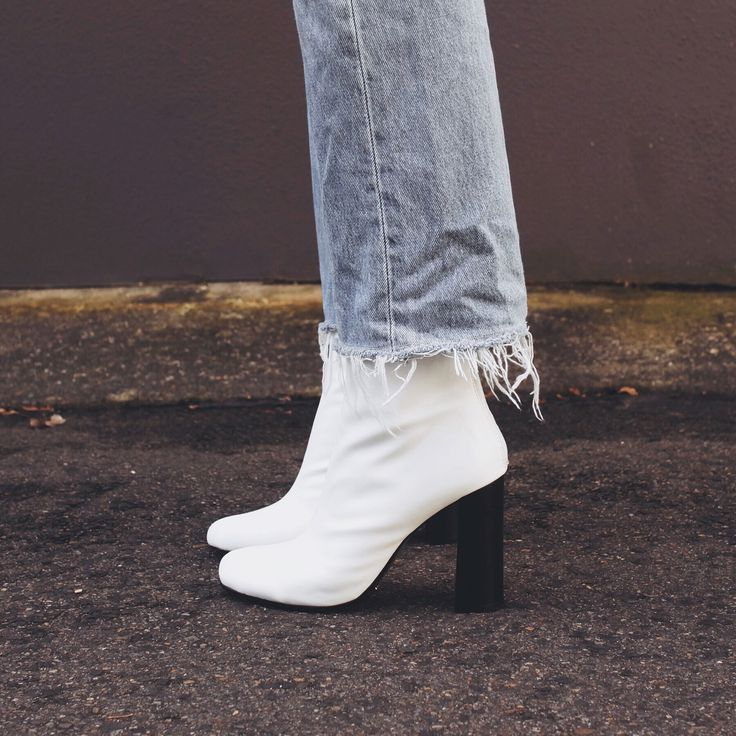 The White Edit: Pepa Mack wears 'Nyx' White Nappa Stretch/Black. #thewhiteedit x #tonybianco