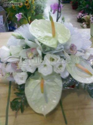 Composizione di anthurium bianco per le nozze
