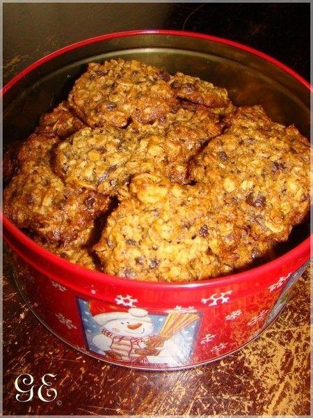 A keksz a (65 g mézzel)  nem igazán édes, és a zabliszt miatt eléggé törékeny és morzsalékos, de a fiúkat ez egy cseppet sem zavarta, hihetetlen gyorsasággal kiürítették a képen látható dobozt.