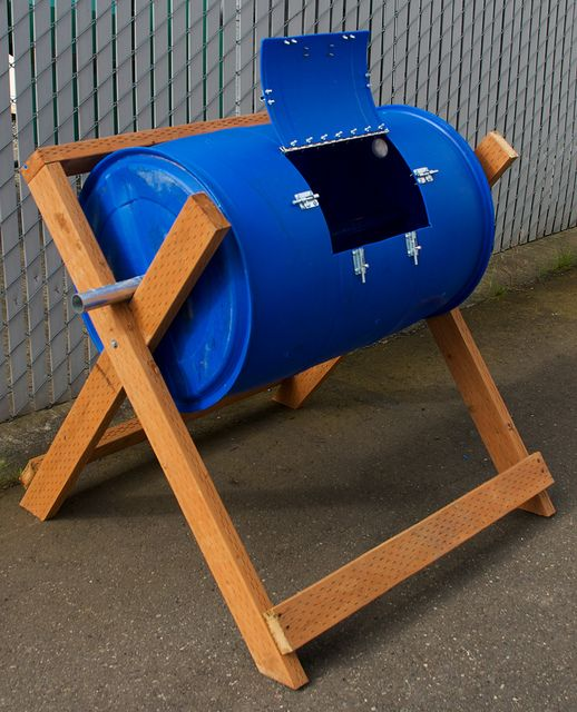 tumbler-composter by rr_graphic_design, via Flickr