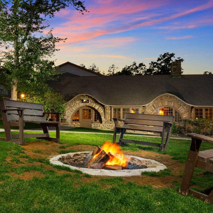 Enjoy a Pocono Mountains getaway at Pocono Manor Resort & Spa! #PoconoMtns