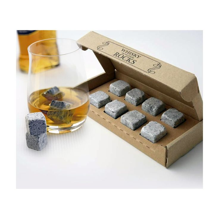Pierres à whisky. Des glaçons en pierre.