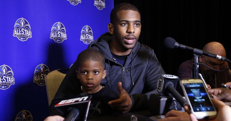 awesome Chris Paul warmed up with his 8-year-old son at TD Garden