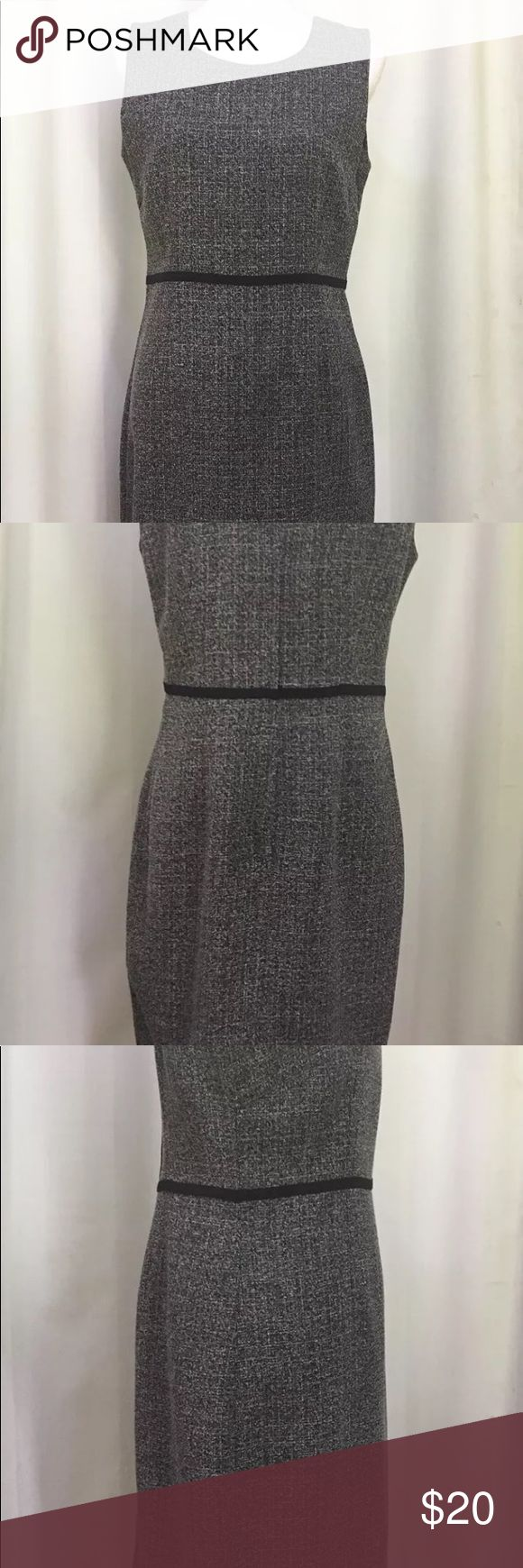 """Julian Taylor Sleeveless Dress Size 8 Gray Black Such a great dress!! Wear alone or with a sweater, blazer or scarf , flats or heels :)  Great for the office meeting or a day of shopping.  It is barley worn, like new, condition  Zips up back  Size 8,          38"""" inches long  See photos :) Julian Taylor Dresses Midi"""