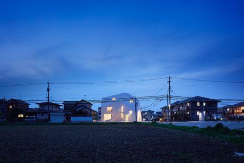 İki Katlı Japon Evinden Eğlenceli Anaokuluna
