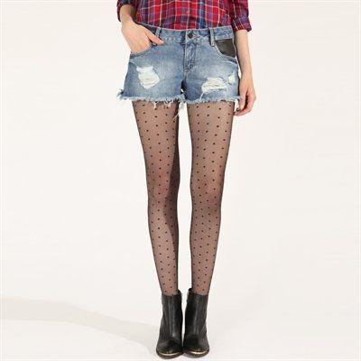 Pimkie.fr : Le short en jean se porte en toutes saisons jambes nues ou avec des collants fantaisie pour twister son style.