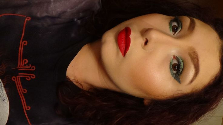Grey Wing Green Smoky Elongated Cat Eyes + Matte Red Lips (Teatro by Neve)