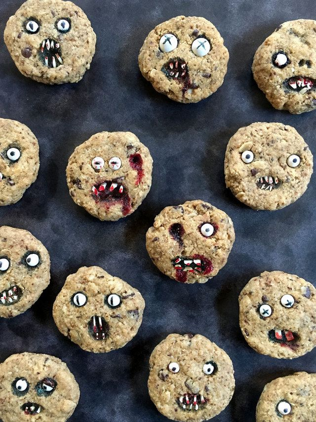 This is an Instructable created by wold630 (not to be confused with wolf630, who doesn't bake cookies, only little pigs) detailing how to make your own scary face chocolate chip cookies for Halloween. Basically it involves making regular chocolate...
