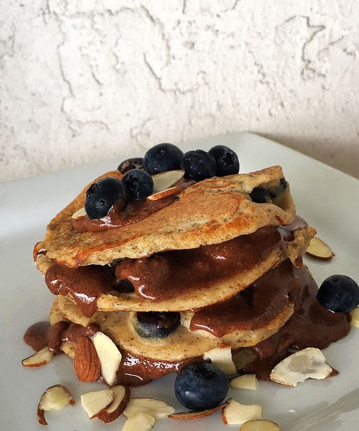 Panquecas de Proteína con Blueberries y Nutella Light / Protein Pancakes with Blueberries and Nutella Light