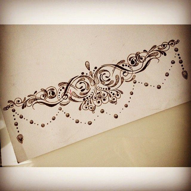 Als Doodle angefangen und am Ende ein Design sein, das ich wirklich mag, könnte ein #sternumtattoo #ankletattoo #wristtattoo #thightattoo sein ??? #girlytattoo #dotwork #tattoodesign #tattoo #art #flash #mandalatattoo #dotworktattoo
