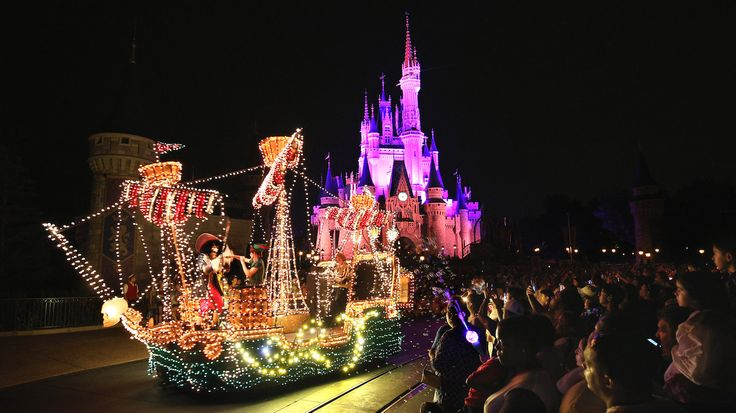 Noooooo! How can they do this to us?? Main Street Electrical Parade Ends Run at Walt Disney World On October 9 Heads to Disneyland Resort for a Limited Time
