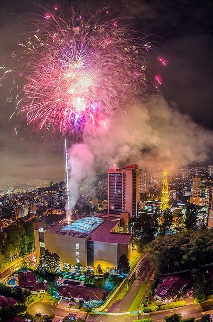 Conoce #Medellin con #EasyFly tu #DestinoFavorito. Más en www.easyfly.com.co/Vuelos/Tiquetes/vuelos-desde-medellin