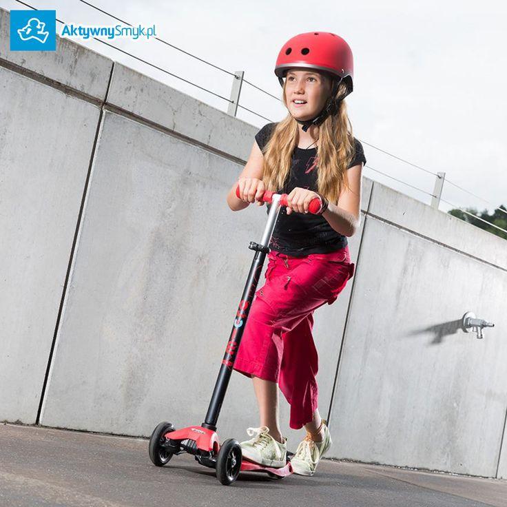 Hulajnoga Maxi Micro to stabilna trzykołowa hulajnoga, na której dziecko poprzez balansowanie ciałem w sprytny sposób skręca przednie koła. Idealna jako następczyni hulajnogi Mini Micro albo jako pierwsza hulajnoga dla AktywnegoSmyka. Producent proponuje hulajnogę Maxi Micro dla dzieci w wieku od 5 lat http://www.aktywnysmyk.pl/76-hulajnoga-maxi-micro